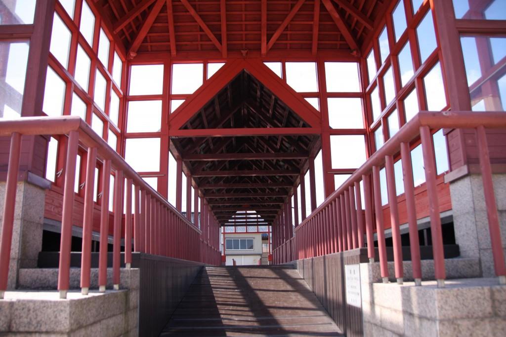 内川さんぽ~東西を分ける「東橋」