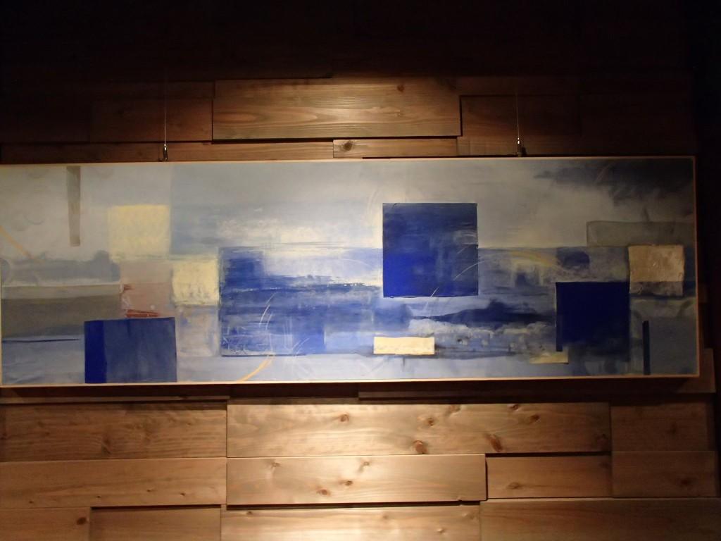 六角堂の壁にマッチしすぎる絵画